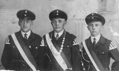 Erster Jungschützenkönig wurde Heinrich Klingsieck, Varl 172